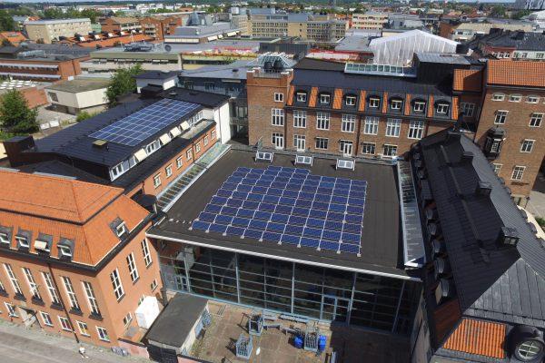 Solceller på Centralbadet i Uppsala