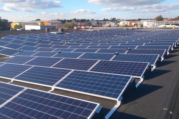 Solceller på NA Svenssons byggvaruhus taki Nyköping