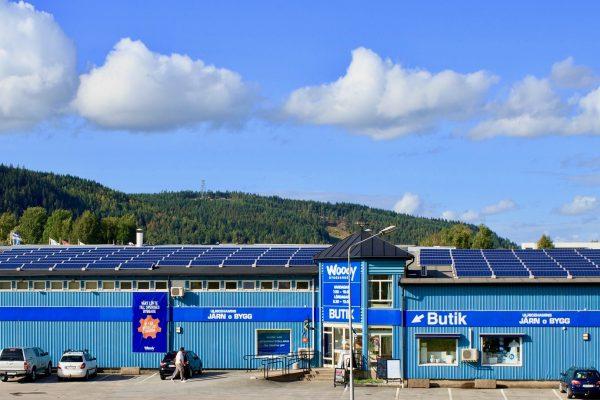 Solceller på Optimeras tak i Ulricehamn
