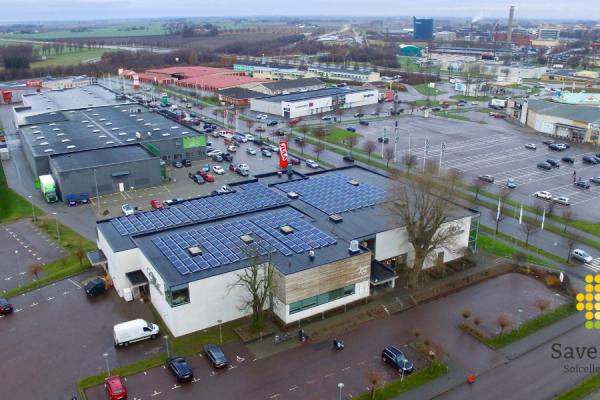 Solceller på möbelbutiken Miljögårdens Möblers tak