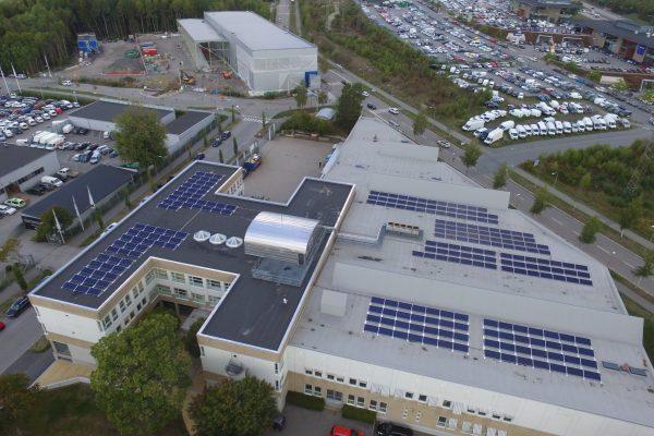 Solceller för fastighetsbolaget Estea på Malaxgatan i Kista, Stockholm.