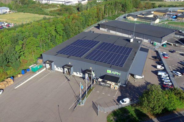 Save by Solar har installerat solceller hos företaget APH i Malmö.