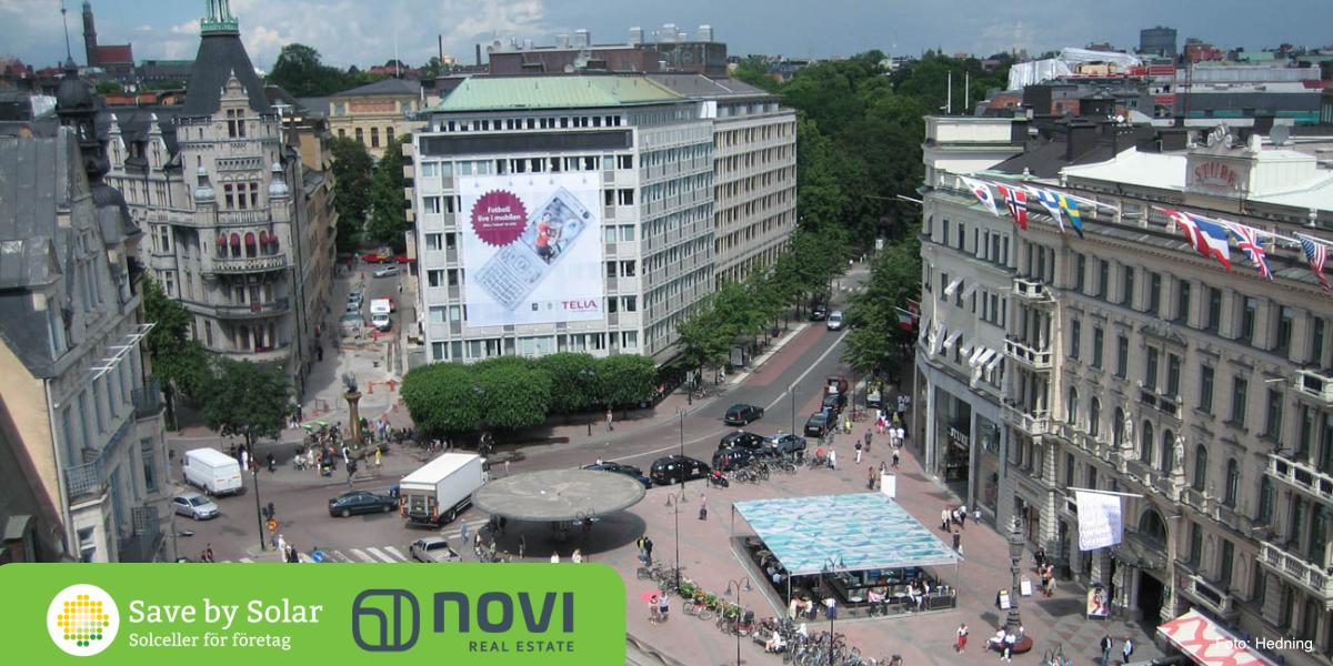 Save by Solar och Novi Real Estate gör Stureplan grönare genom att installera solceller på en fastighet i området.