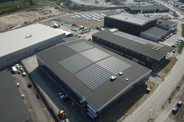 Solceller hos Leje Fastigheter ihop med Save by Solar.