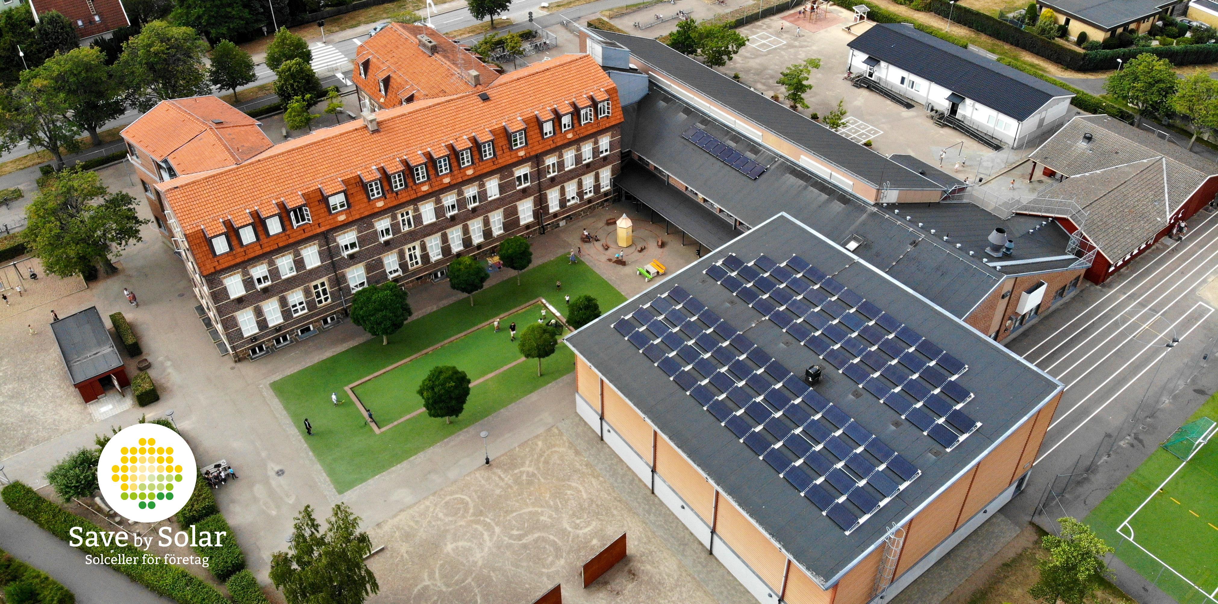 Solcellsanläggningen på Västra Ramlösa skola vinner Skåne Solar Award, installerad av Save by Solar.