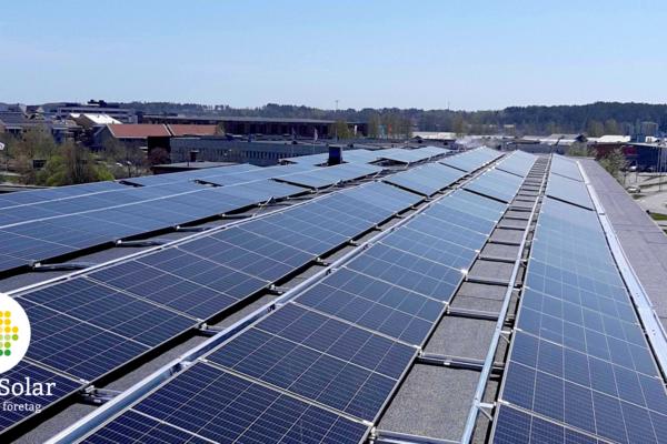 Hållbar framtid ihop med Klövern som installerar solceller